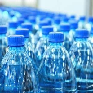 botellas en una fabrica